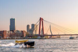 Huurder in Rotterdam: met de watertaxi van A naar B